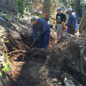 Bee top comm trail work